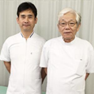 湘南スポーツ整体院にて 鶴田 昇先生(右)と